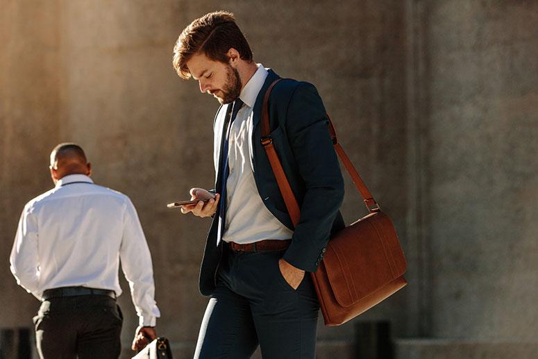 La borsa da uomo alla moda